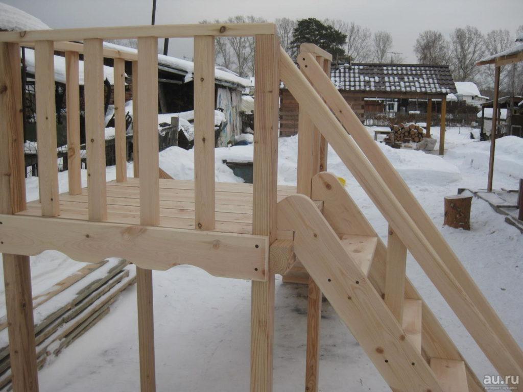 Пример конструкции деревянной горки.