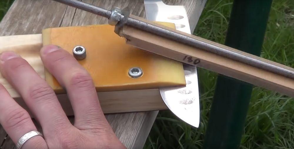 Точилка для ножей.