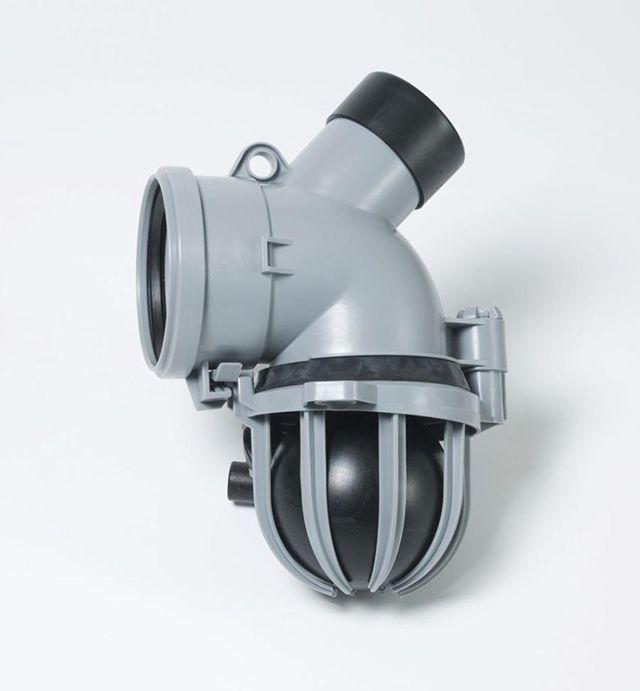 Обратный клапан дренажной трубы.