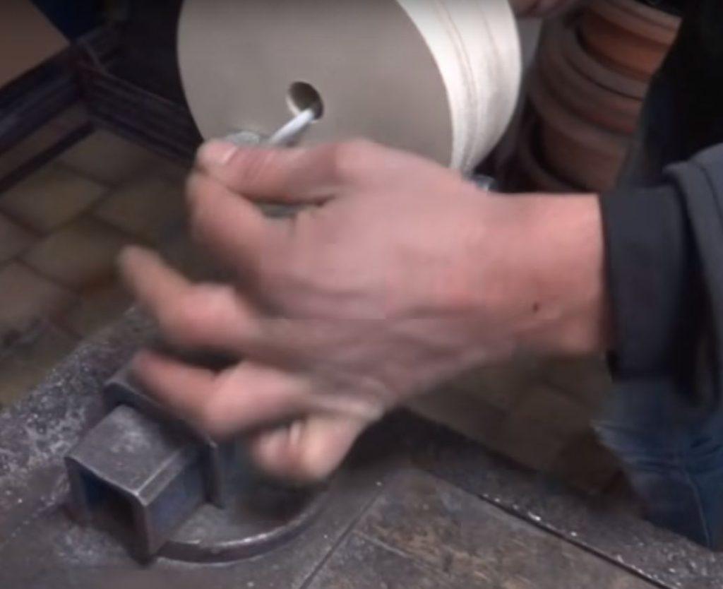 Изготовление шпоночного паза в фанерном ролике.