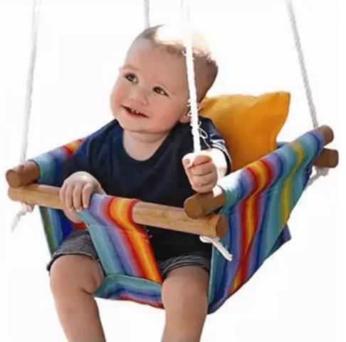 Мягкое сиденье для малышей.