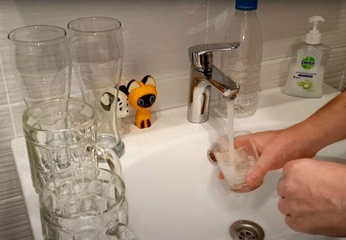 Мытьё стаканов.