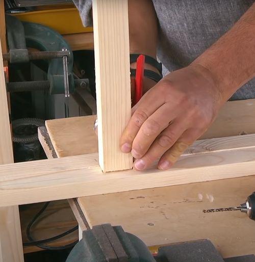 разметка деревянного бруска.